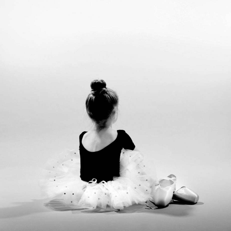 super-black-white-effect-ballerina pic monkey - best alternative to photoshop