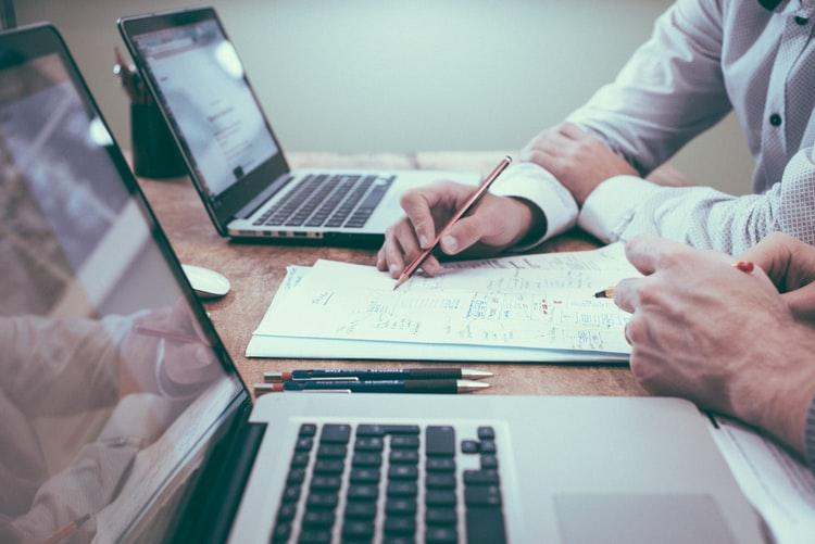 6 Tips to Consider While Choosing a Proposal Management Software 1